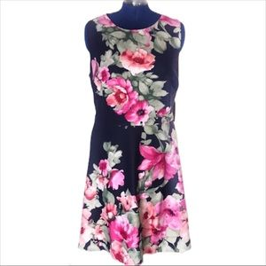 NWT Vince Camuto 20W navy floral scuba dress